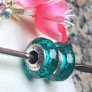 Pandora Charms turquoise shimmers